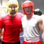 VIDEO: Wayne Rooney wird K.O.-geschlagen!